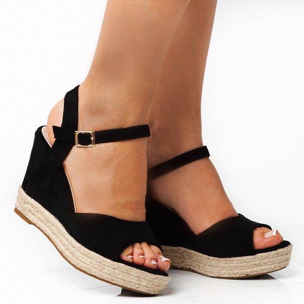 f09f87e0f900a3 Czarne sandały na koturnie Votinea - Obuwie Kliknij, aby powiększyć ...