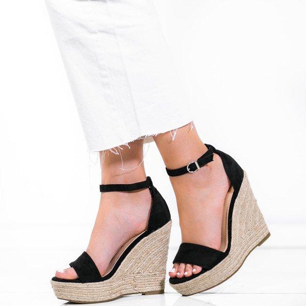 e9809226 Czarne sandały na wysokiej koturnie Carrie - Obuwie Kliknij, aby powiększyć  ...