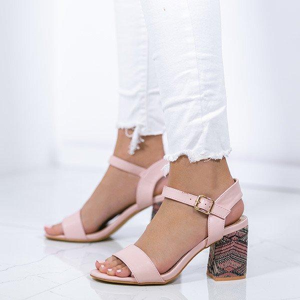 e9742549ed146 Różowe sandały ze zdobionym obcasem Silvia - Obuwie Kliknij, aby powiększyć  ...