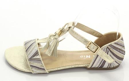 Sandały ze złotym wykończeniem - Obuwie