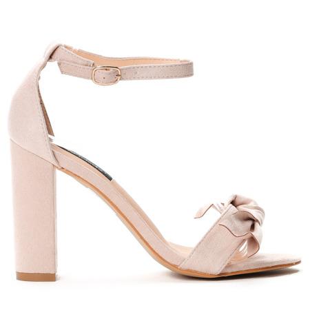 Beżowe sandały na słupku - Obuwie