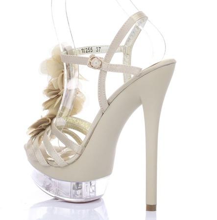 Beżowe sandały na szpilce Benitana - Obuwie