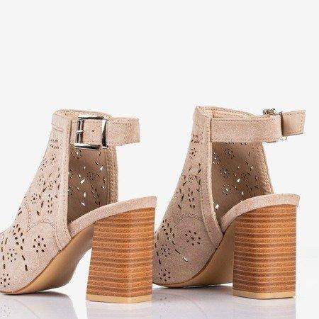 Beżowe sandały na wyższym słupku Meamoss - Obuwie