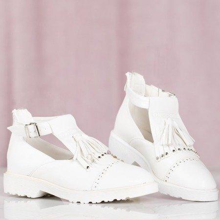 Białe damskie półbuty z wycięciem Nagetieva - Obuwie