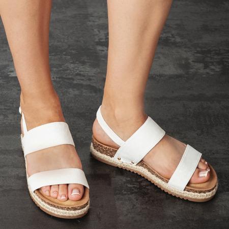 Białe sandały na niskiej platformie Movisa - Obuwie