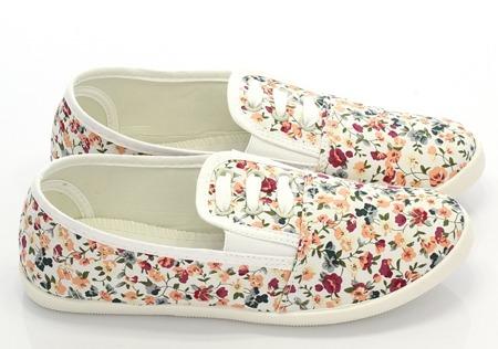 Białe tenisówki typu slip on w kwiaty - Obuwie