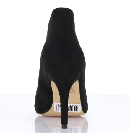 Czarne botki na szpilce - Obuwie