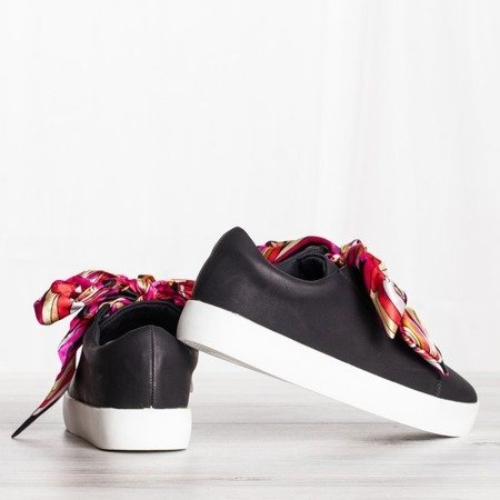 Czarne buty sportowe sznurowane wstążką Duet - Obuwie