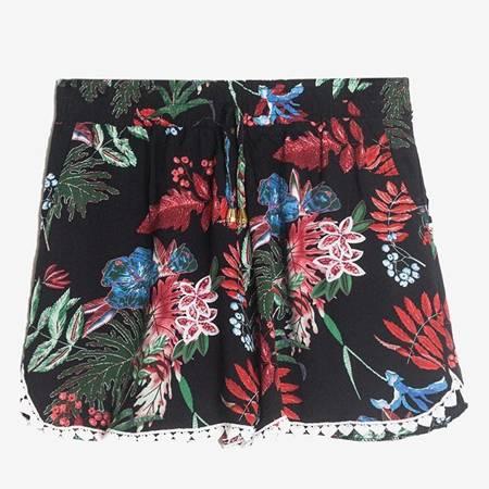 Czarne damskie krótkie spodenki w kwiatki - Odzież