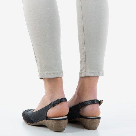 Czarne sandały damskie z ażurowym zdobieniem Asina - Obuwie