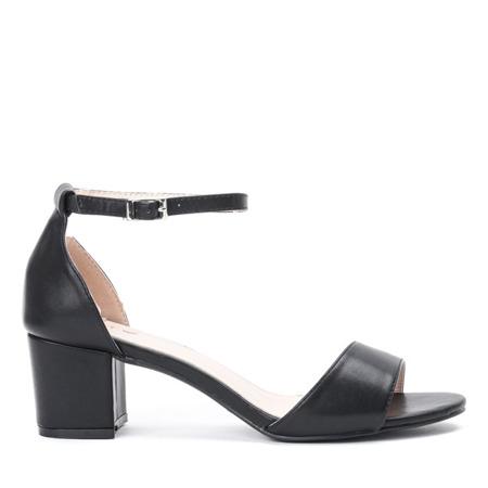 Czarne sandały na niskim słupku Catherna - Obuwie