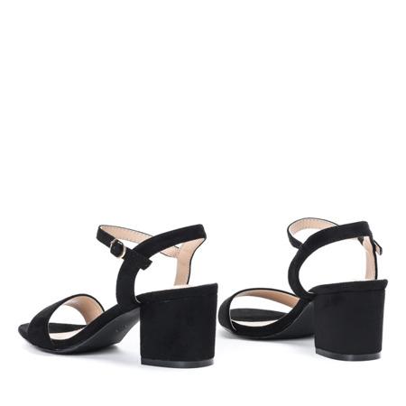 Czarne sandały na niskim słupku Julietta - Obuwie