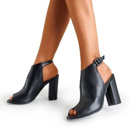 Czarne sandały na słupku z cholewką Jeuni - Obuwie