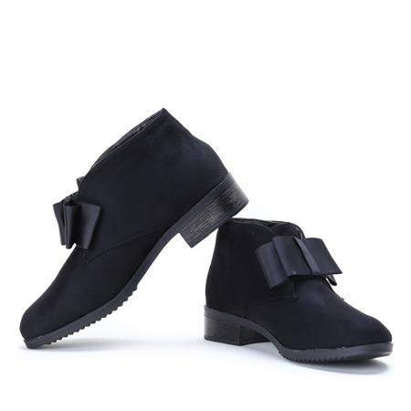 Czarne zamszowe botki Seanna - Obuwie