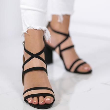 Czarno-różowe sandałki na słupku Violetta - Obuwie