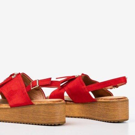 Czerwone sandały damskie na platformie z frędzlami Indinara - Obuwie