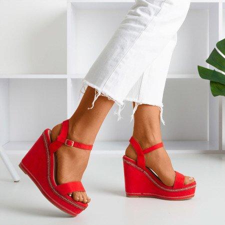 Czerwone sandały na koturnie Demetera - Obuwie