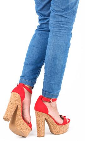 Czerwone sandały na słupku Venia - Obuwie