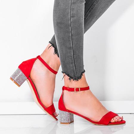 Czerwone sandały na słupku z ozdobnymi cyrkoniami Olifa - Obuwie