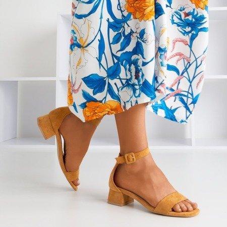 Damskie sandały na niskim obcasie w kolorze camel Torita - Obuwie