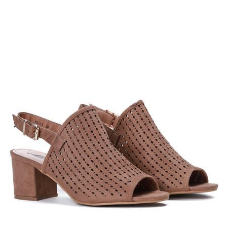 Jasnobrązowe ażurowe sandały na słupku Farrell - Obuwie