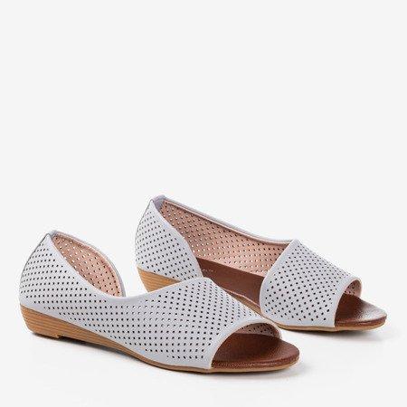 Jasnoszare ażurowe damskie sandały na niskiej koturnie Dirca - Obuwie