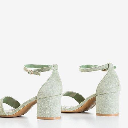 Jasnozielone sandały na niskim obcasie Sandena - Obuwie