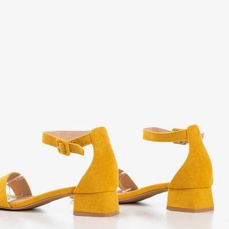 Musztardowe damskie sandały na niskim obcasie Torita - Obuwie