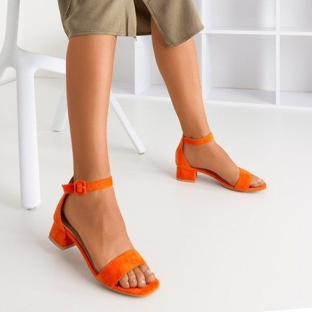 Pomarańczowe damskie sandały na niskim obcasie Torita - Obuwie