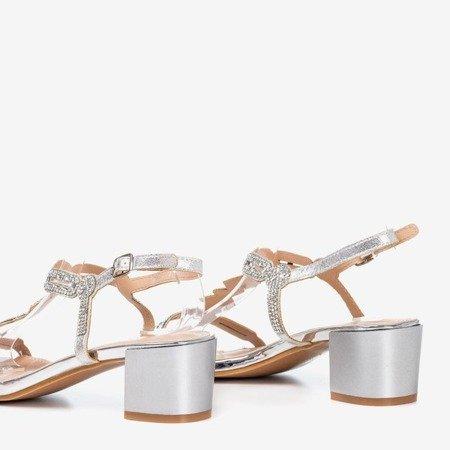 Srebrne sandały na niskim słupku z cyrkoniami Doremi - Obuwie