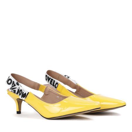 Żółte czółenka na niskiej szpilce z odkrytą piętą Kailey - Obuwie