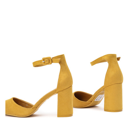 Żółte czółenka na słupku Valentia - Obuwie