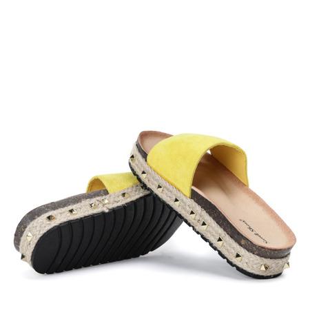 Żółte klapki z grubej podeszwie Flemington - Obuwie